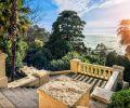 Escaliers donnant sur la mer à Stochi