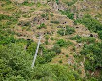 Khndzoresk pont suspendu © comité de tourisme d'arménie.jpeg