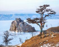 Voyaga Russie, Baikal - Rocher des Chamans sur l'île Olkhon