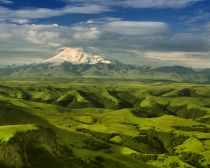 Voyage Caucase russe - Mont Elbrouz © Shutterstock