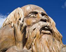 Voyage Petrozavodsk - Statue en bois sur le quai d'Onega