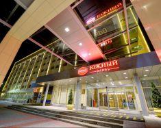 Hotel Yuzhny - Extérieur Soir