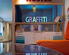 Hotel Saint-Pétersbourg - Graffiti L Hostel