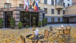 Aglaya © Saint-Pétersbourg - Hôtel Aglaya - Cour intérieure.jpg