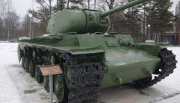Circuit militaire autour de la région de Léningrad - Tank au musée « Percée du blocus de Léningrad »