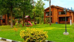 Stepanovo © Cottage et aire de jeux