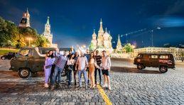 Visite Moscou de nuit en minibus sovietique UAZ