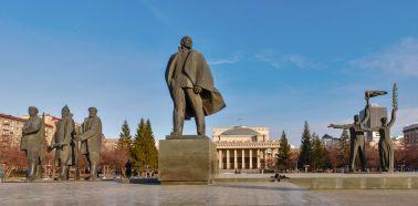 Voyage russie, transsibérien, Novossibirsk - La statue de Lénine sur la place centrale