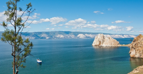 Vue du lac Baïkal depuis l'île d'Olkhon