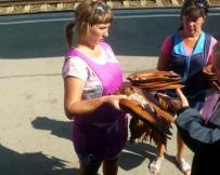 Vendeuse sur les quais près du Baïkal