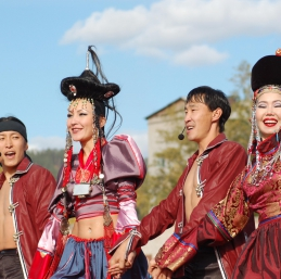Voyage Baikal - Costume traditionnel bouriate