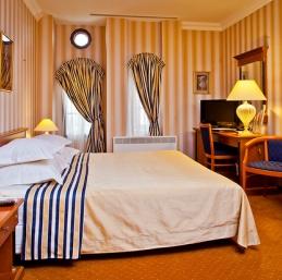 Hotel Saint-Pétersbourg - Hotel Golden Garden